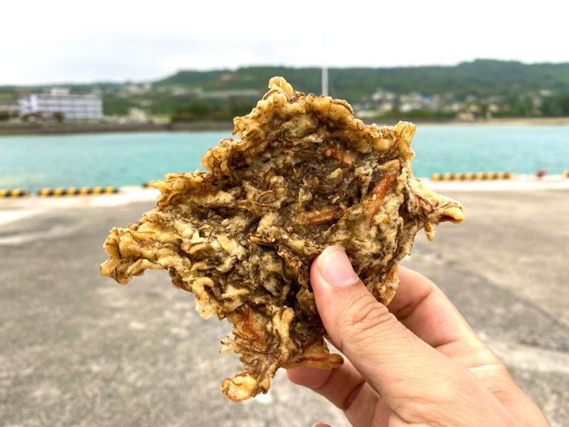 奥武島・もずく天ぷら(中本鮮魚天ぷら)